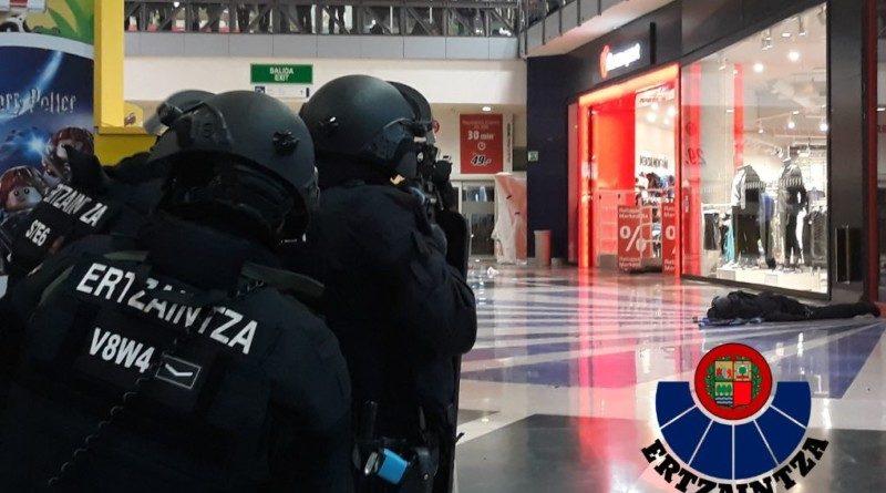 Ensayan un incidente con múltiples víctimas, en un centro comercial de Vitoria-Gasteiz