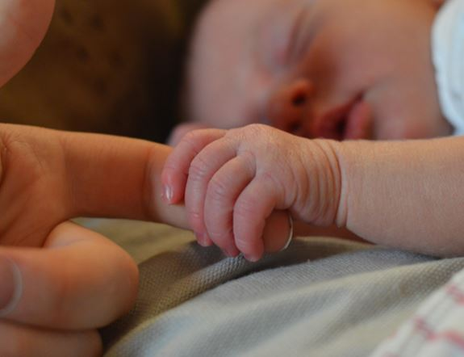 Gipuzkoa activa el procedimiento para recalcular el IRPF de las bajas por paternidad,