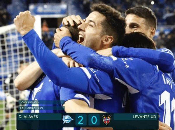 El Alavés rompe su racha de derrotas a costa del  Levante,