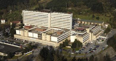 Los pacientes se quejan del mal estado de algunas plantas en los hospitales,