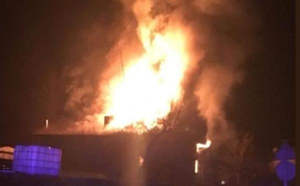 Dos personas resultan heridas en el incendio de un caserío en Zeberio,