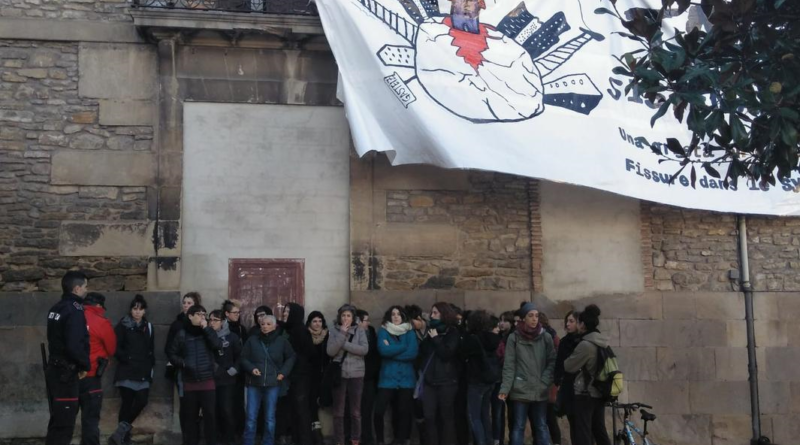 Dos detenidas en el desalojo del  Palacio Álava-Velasco de Vitoria,