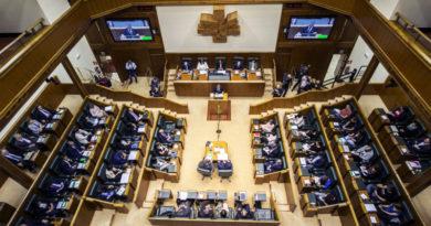 Ezker Anitza-IU denuncia en el Parlamento Vasco la injerencia constante contra Venezuela,