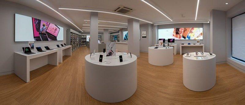 Roban cerca de 100.000 euros en la tienda Apple de Vitoria,