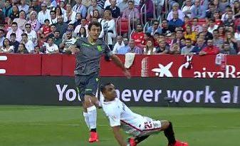 El Sevilla pasa por encima de una Real que se ha olvidado de competir tras el derbi con el Athletic,