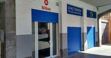 Policía Municipal de Bilbao se hace más visible en el barrio de San Francisco,