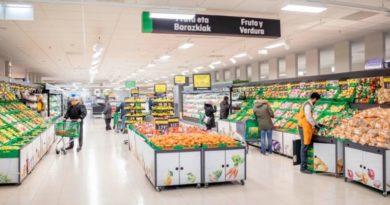 Mercadona inaugura su nuevo modelo de tienda eficiente en Lakua,