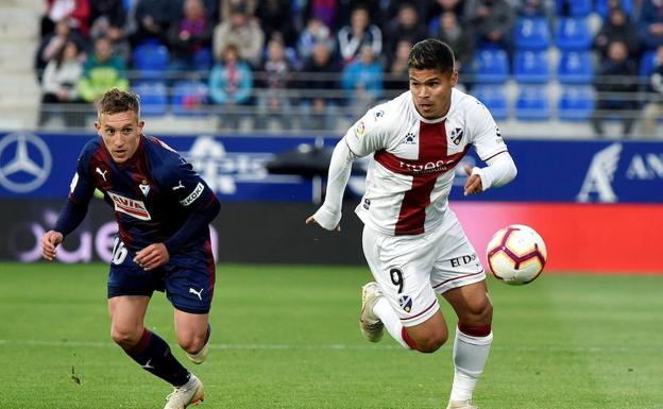 El Éibar prolonga la vida en  Primera División del Huesca,