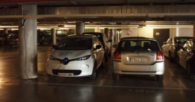 Desvalijan 70 coches aparcados en garajes comunitarios en varios barrios de Vitoria,