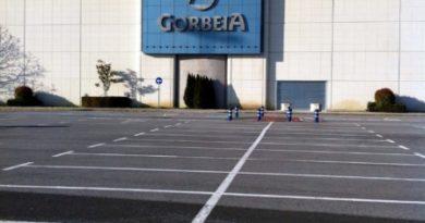Fallece un trabajador en el Centro Comercial Gorbeia,