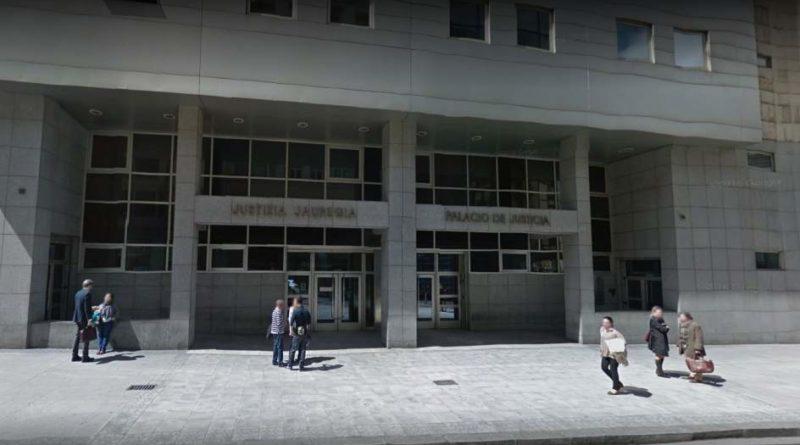Comienza el juicio contra los tres acusados por violar a una joven en Solokoetxe,
