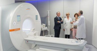 Cruces incorpora un tercer acelerador para radioterapia oncológica y una nueva resonancia magnética para diagnóstico,