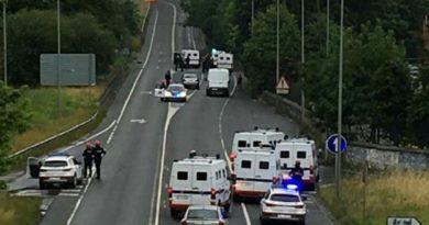 Detienen a dos trabajares tras agredir a un ertzaina en la huelga del metal en Vizcaya,