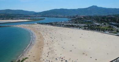 La Ertzaintza vigilará playas y zonas de esparcimiento para evitar reuniones sociales y su uso indebido,