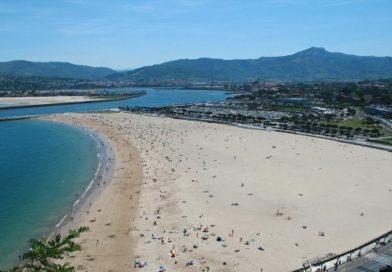 La Ertzaintza vigilará playas y zonas de esparcimiento para evitar reuniones sociales y su uso indebido