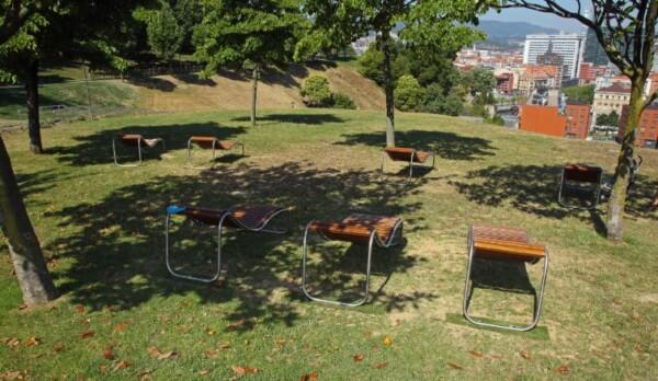 La Ertzaintza detiene a seis individuos por una presunta violación a una chica de 18 años en el Parque de Etxebarria,