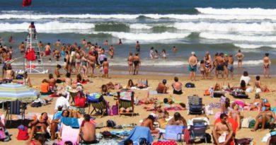 Cierran tres playas en Guipúzcoa debido a la contaminación en sus aguas,