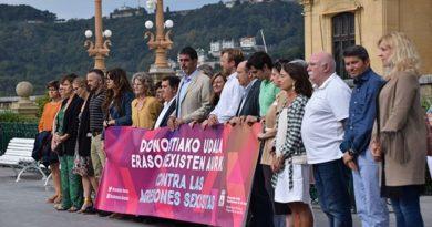 Concentración de condena por la última agresión sexual ocurrida en Donostia,
