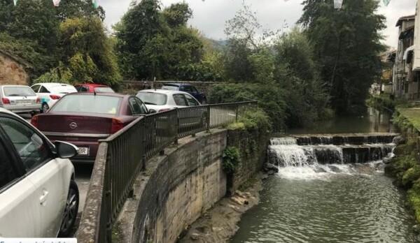 URA ha iniciado las obras para la adecuación del tramo urbano del arroyo Toloto a su paso por Elorrio,