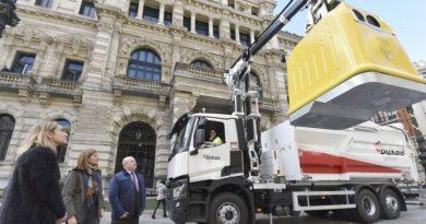 Sustituirán los contenedores amarillos por un modelo 100% reciclable y usará para su recogida camiones de gas natural,