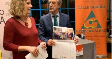 Presentan un calendario con las imágenes premiadas en el II Concurso de Fotografía de Vitoria-Gasteiz,