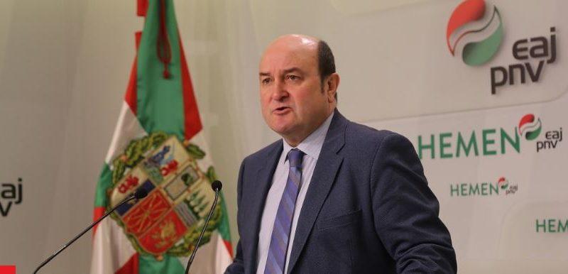"""Ortuzar dice que el PNV no quiere """"desgastar al Gobierno"""", pero pide compartir el mando único,"""