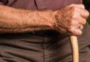 Un anciano golpea a otro hombre en Iruña, y lo deja inconsciente por una discusión de tráfico en Pamplona