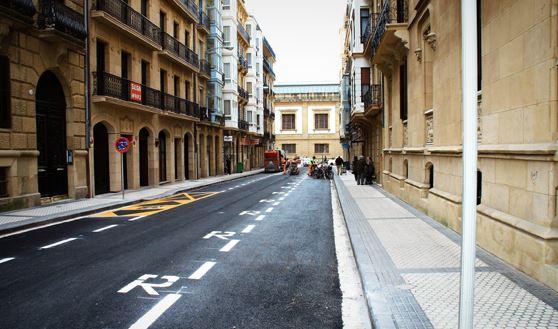 El Ayuntamiento de San Sebastián renovará el alumbrado de 12 calles de la ciudad,