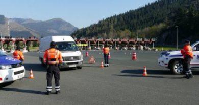 Ertzaintza y las Policías Locales volverán a realizar controles para impedir desplazamientos de fin de semana,