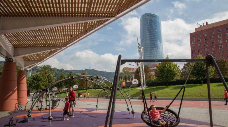 El ayuntamiento de Bilbao reabre los parques infantiles,