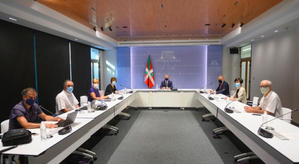 La comisión de seguimiento de la Covid-19 examinan la situación epidemiológica en Euskadi,