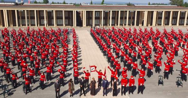El Lehendakari entrega las credenciales a los 576 hombres y mujeres de la 28 Promoción de la Ertzaintza,