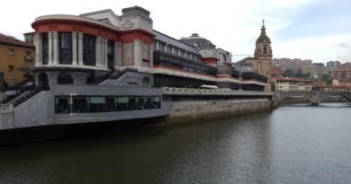 El Mercado de la Ribera, adaptado a la nueva situación, reabre sus puertas,