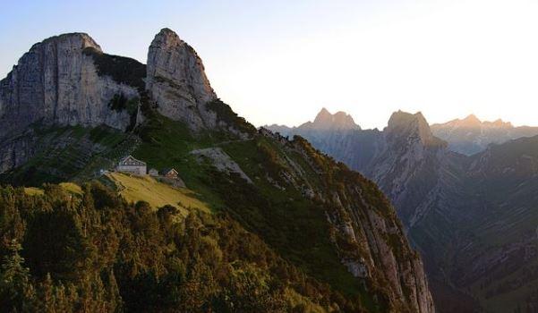 Tragedia en los Alpes: un vasco se encuentra desaparecido y tres navarros muertos,