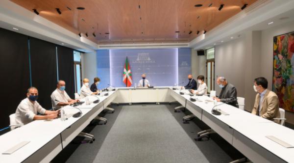 El Lehendakari dirige la reunión de la comisión de seguimiento del Covid-19 para examinar la situación epidemiológica,