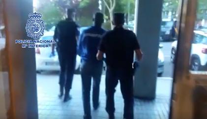 Desarticuladas dos organizaciones asentadas en Bilbao y Vitoria que presuntamente traficaban con inmigrantes irregulares,