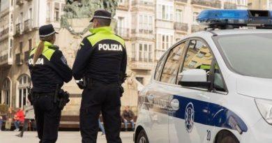 Detenidos dos jóvenes en Vitoria-Gasteiz tras robar una mochila con más de 3.000 euros,