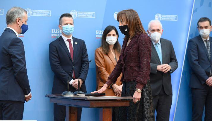 Eva Ferreira toma posesión del cargo de rectora de la UPV/EHU,