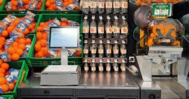 Mercadona apuesta por la economía circular con la nueva botella para zumo exprimido, reciclable y elaborada al 100% con plástico reciclado,